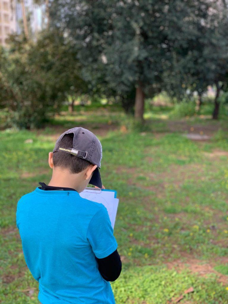 ילד בית ספר בגן הברון מנשה כפר סבא